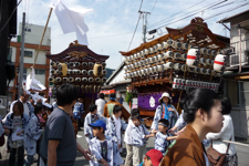 松原神社例大祭での山車の巡行