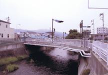 新しく架け替えられた竹橋
