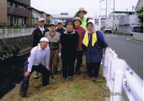 菊川堤の美化活動